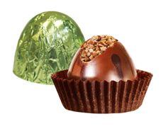 Шоколадная конфета с дробленым фундуком